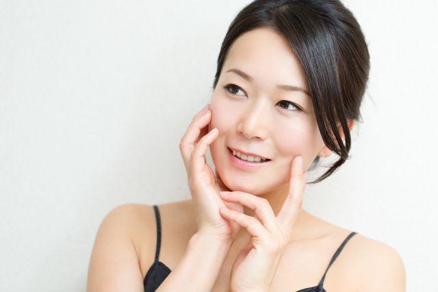 小顔矯正で肌の質感改善も期待できます