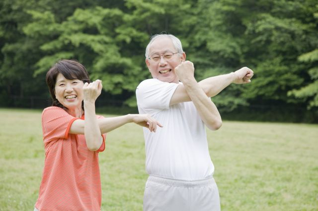 四十肩・五十肩が改善すると運動も楽しめます