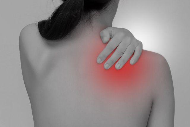肩こりとは症状の程度が異なります